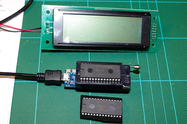 LCD and mbed LPC1114FN28