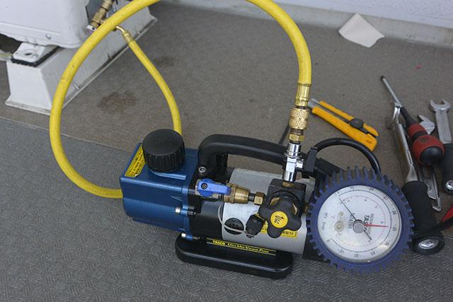 エアコン整備工具類