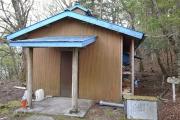 避難小屋入口