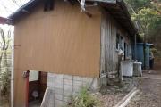 小屋併設のトイレ