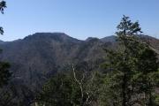 山上ヶ岳を遠望