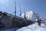 赤岳展望荘の風力発電機