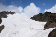 分厚い雪渓