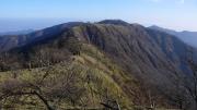 主脈の尾根を塔ノ岳へ