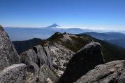 薬師岳越しの富士山