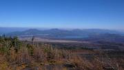 山中湖と丹沢の山々