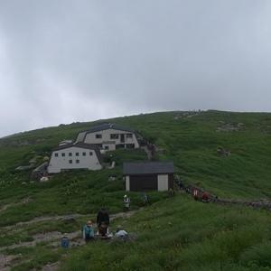 月山頂上小屋
