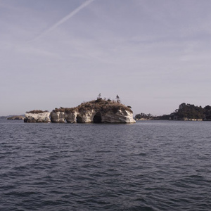小さな島や岩礁
