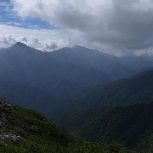 北岳方面の山々